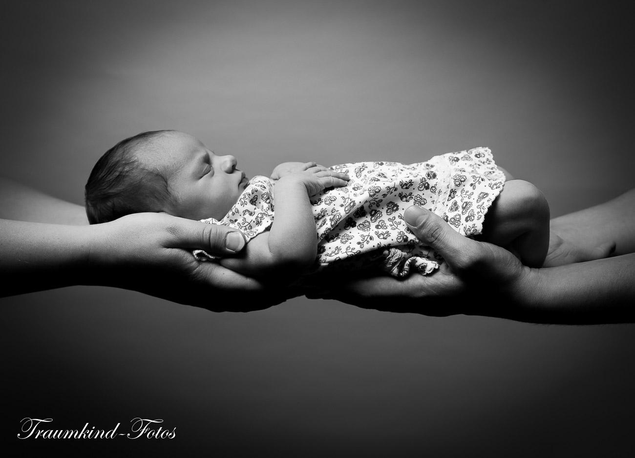 Traumkind Fotos Neugeborenen Fotos Essen 7 - Babyfotos