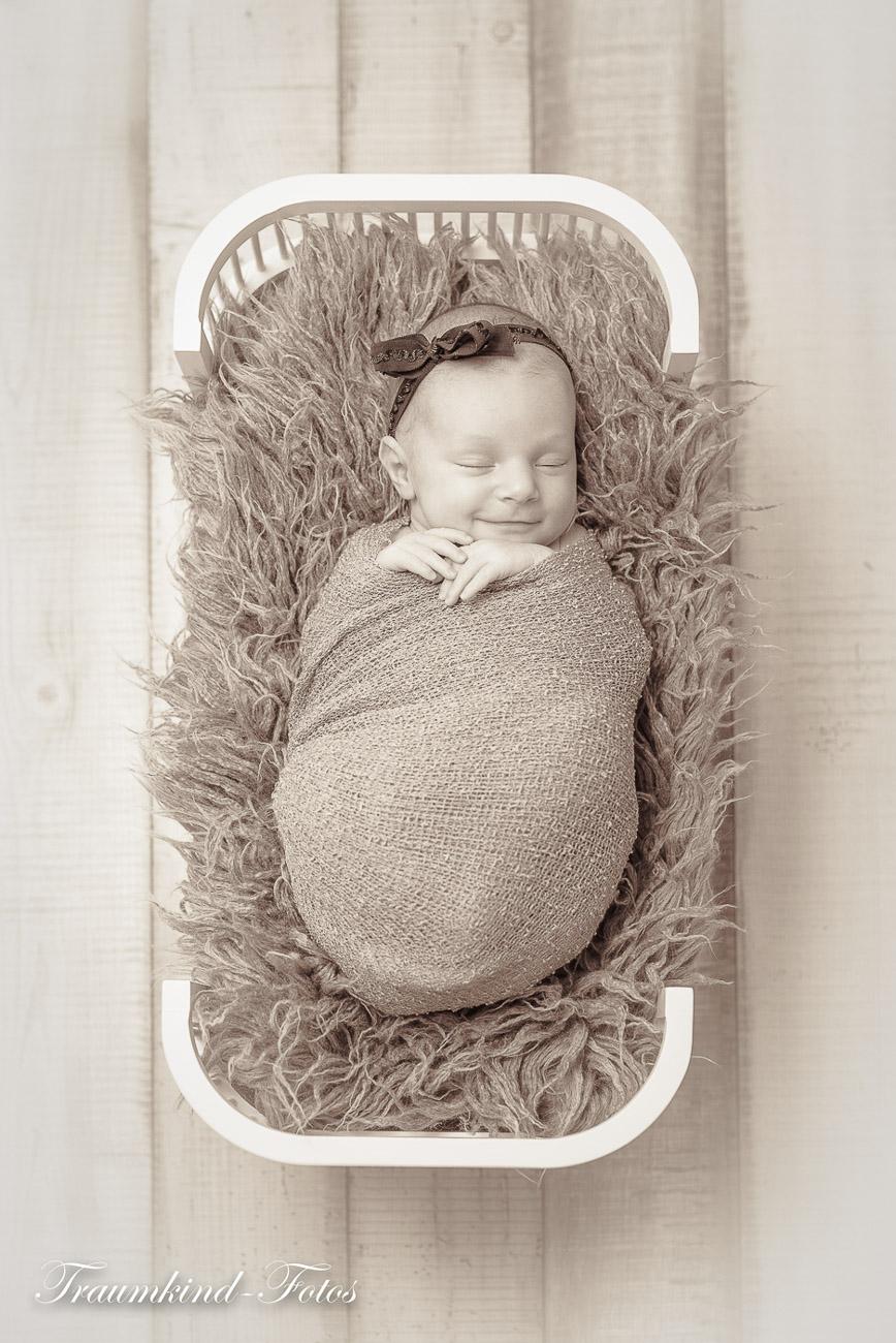 Traumkind Fotos Newborn Fotos Essen 10 1 - Babyfotos