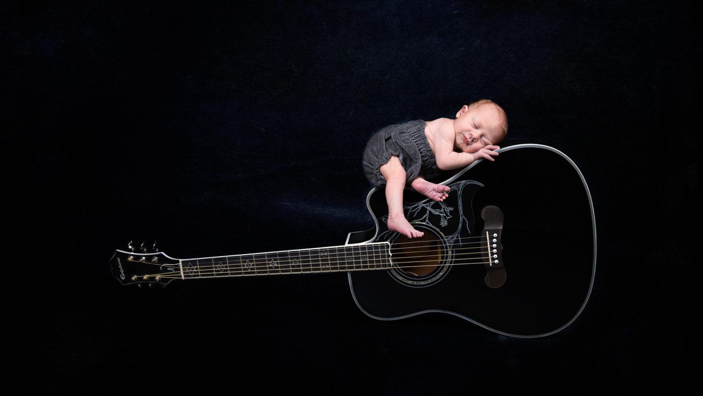 Traumkind Fotos Essen Newbornshooting 2 scaled - Babyfotos