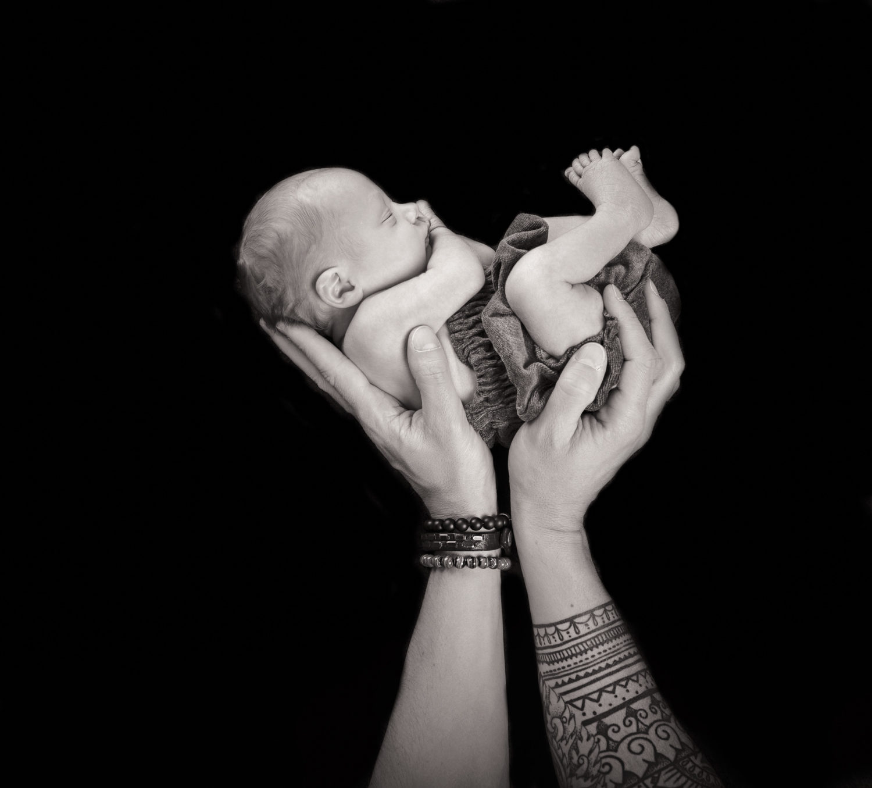 Traumkind Fotos Essen Newbornshooting 3 scaled - Babyfotos